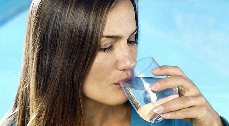 Сколько пить воды при гипертонии - можно ли