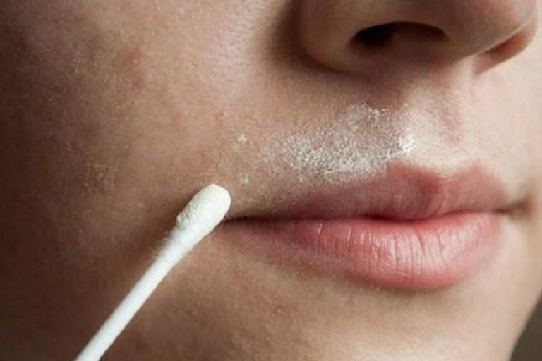Осветляем усы в домашних условиях